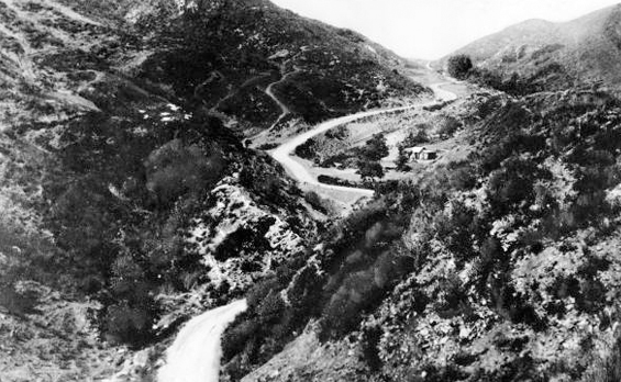 1890 Cahuenga Pass